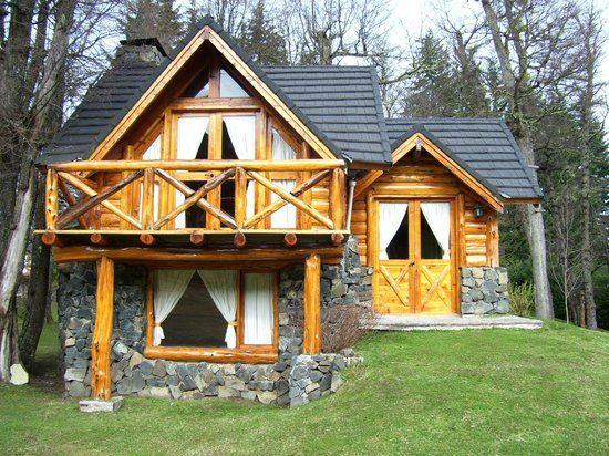 Casas de troncos y piedras buscar con google caba as for Fachadas de cabanas rusticas