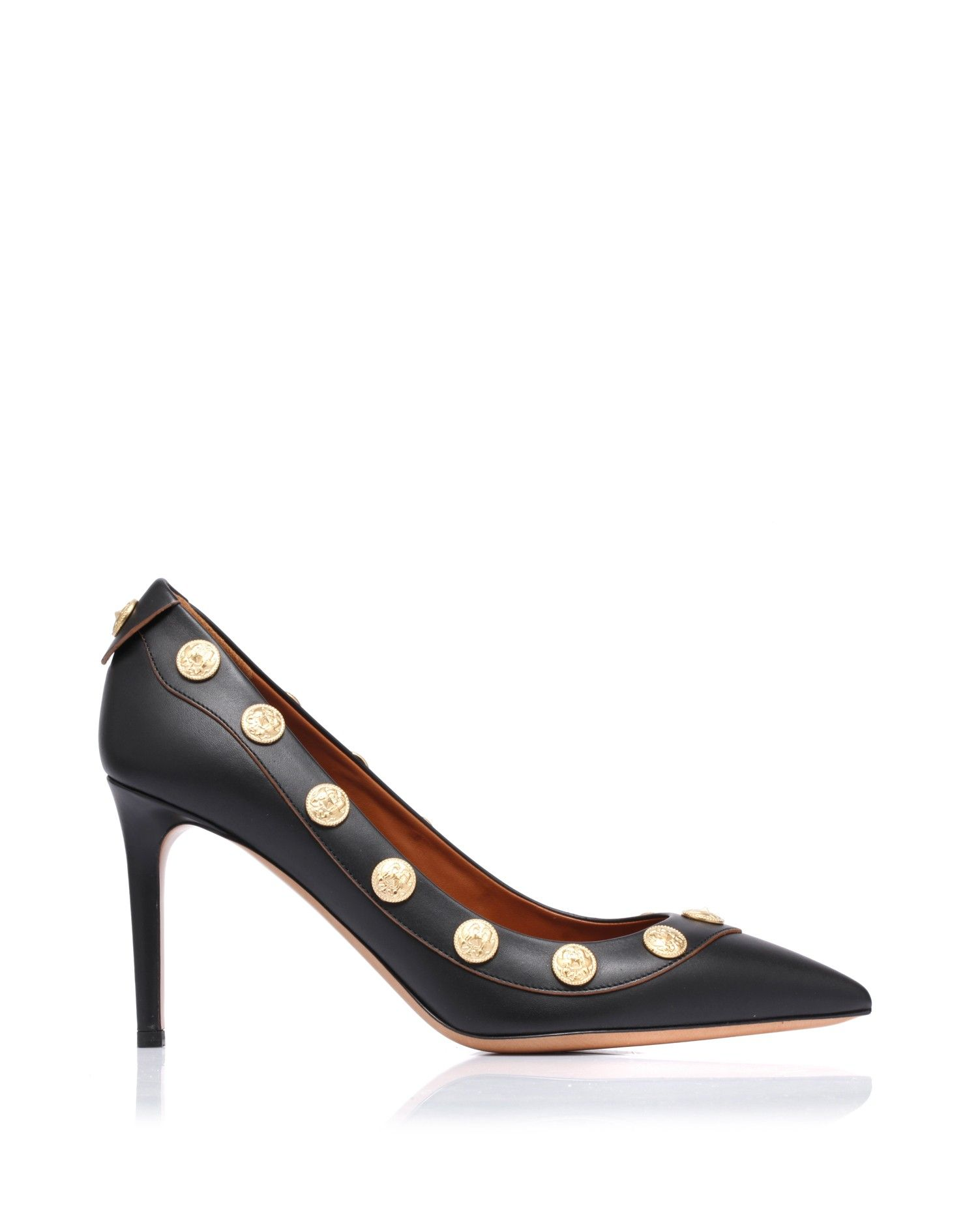 Leather pump with squared tip, leather sole and heel. The pefection of the shape is decorated by some round goldtone coins, put on a tone on tone leather along the border stripe. @valentino