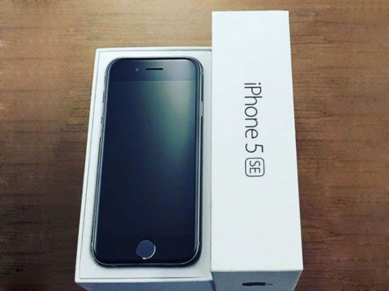 TECH: Apple hopes small is big again as iPhone SE debuts  #LittleNews #Technology #Techno