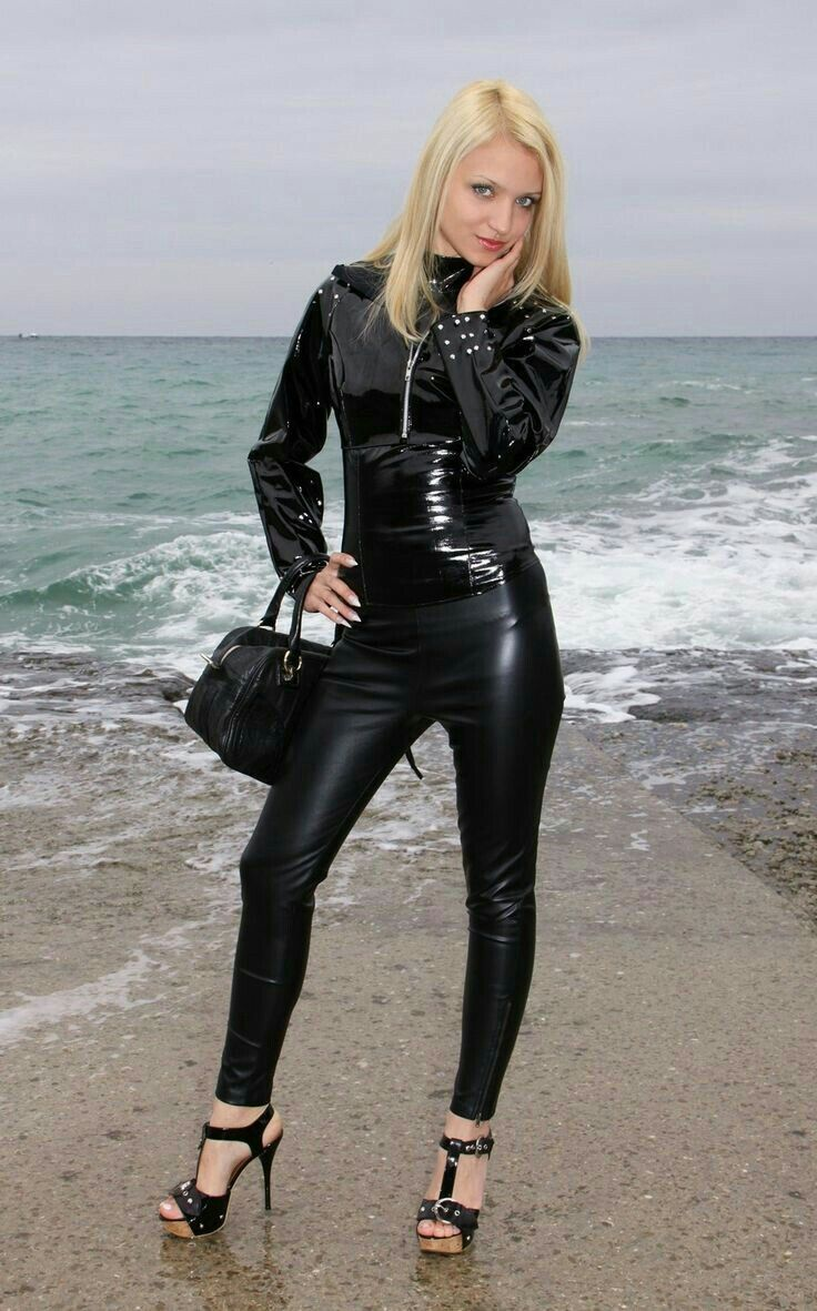 Lederlady   Leder outfits, Lederkleid schwarz, Heiße high