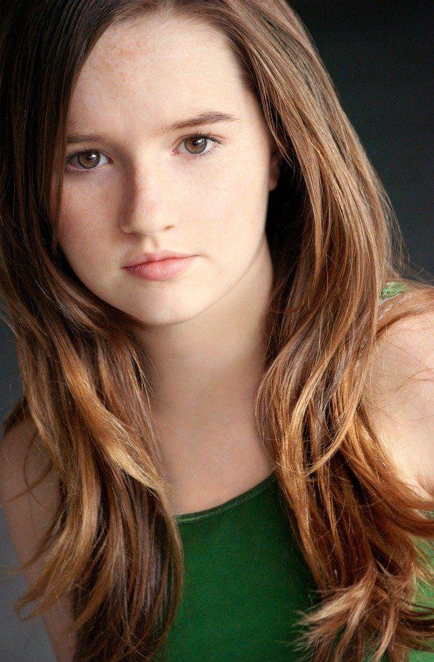 Deirdre (Kaitlyn Dever) Kaitlyn dever, Beautiful girl