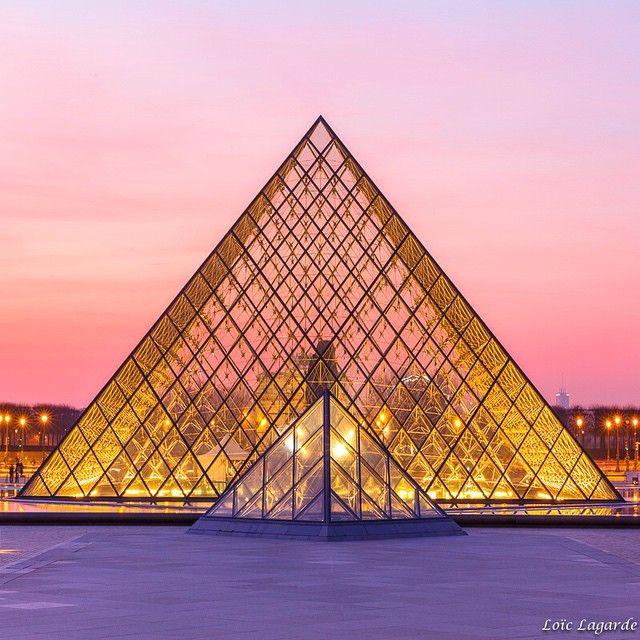 """#parisphoto #parisjetaime #PhenomenalShot #ig_paris #ig_france #IgersParis #iloveparis #ig_worldclub #royalsnappingartists #Europe_Gallery #Euro_Shotz…"""