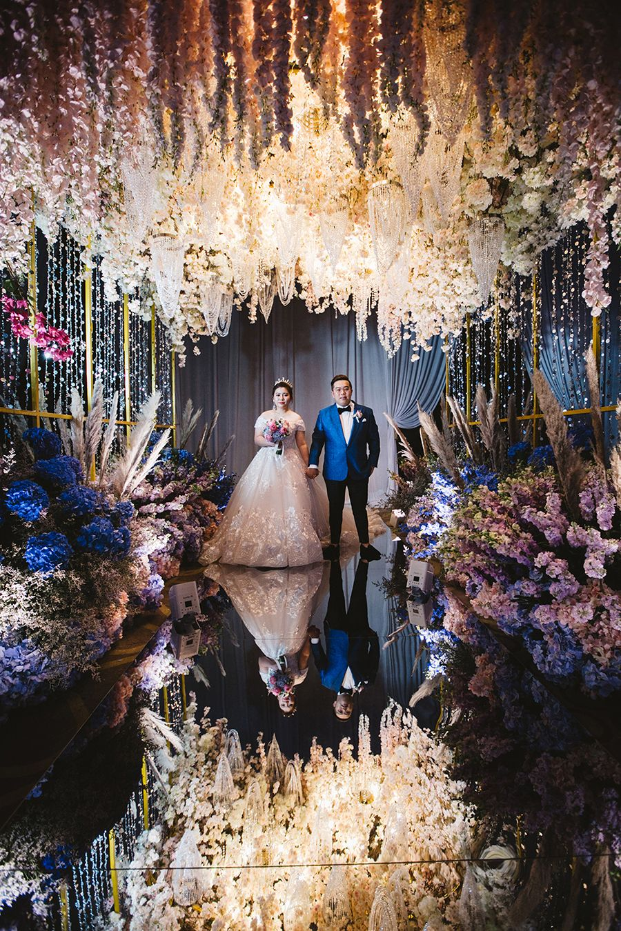 Kelvin And Yiyi S Opulent Wedding Bash In Kuala Lumpur Malaysia Opulent Wedding Ballroom Wedding Reception Wedding Reception Themes