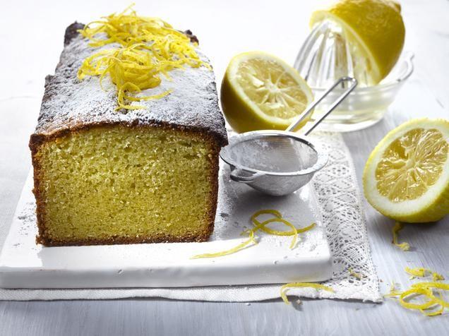 Mehevöitä perinteinen kuivakakku mantelimassalla mahtavan makuiseksi. Kakku säilyy mantelimassan ansiosta tavallista kakkua pidempään.