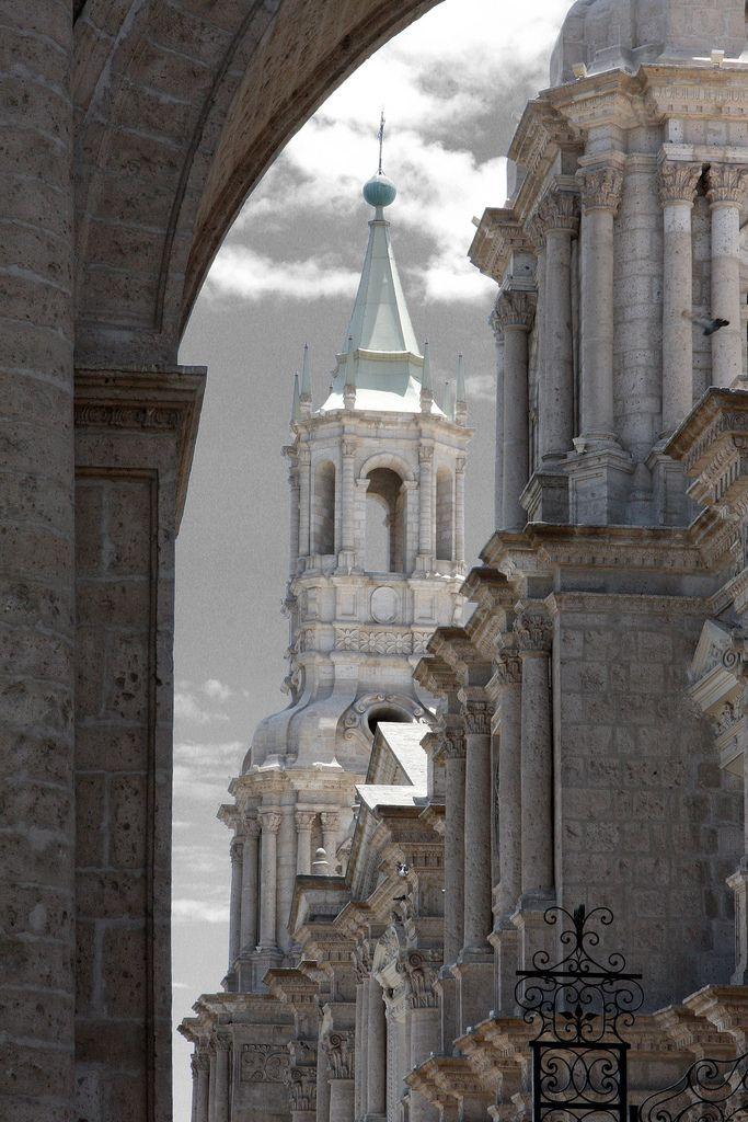 Catedral de Arequipa , Peru. |  Mathew Knott via Flickr.com