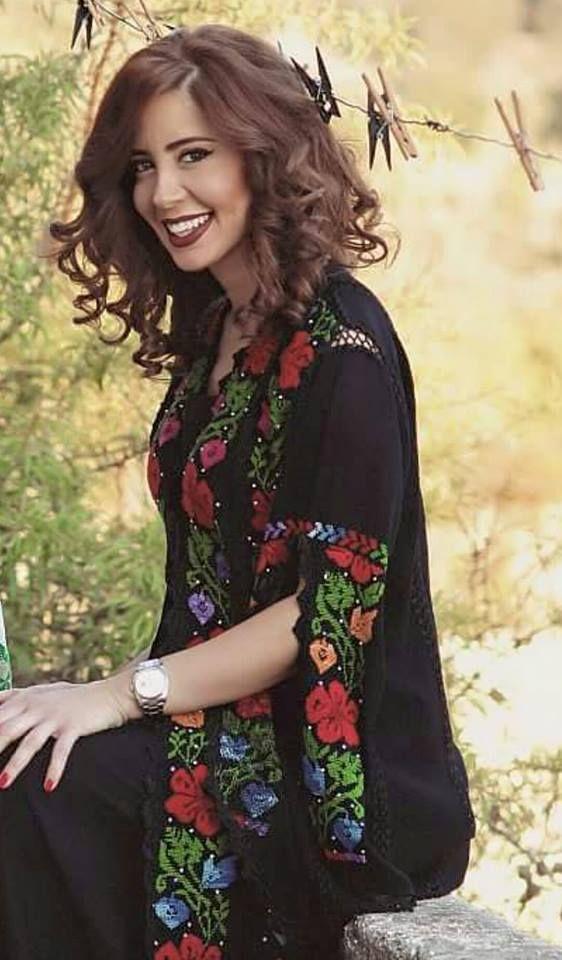 01a12039e جاكيت تطريز فلاحي بزهور الربيع   Palestinian Embroidery in 2019 ...
