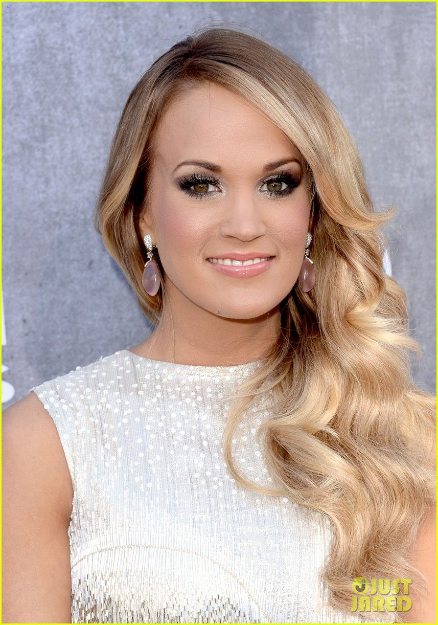 Carrie underwood acm awards red carpet carrie underwood