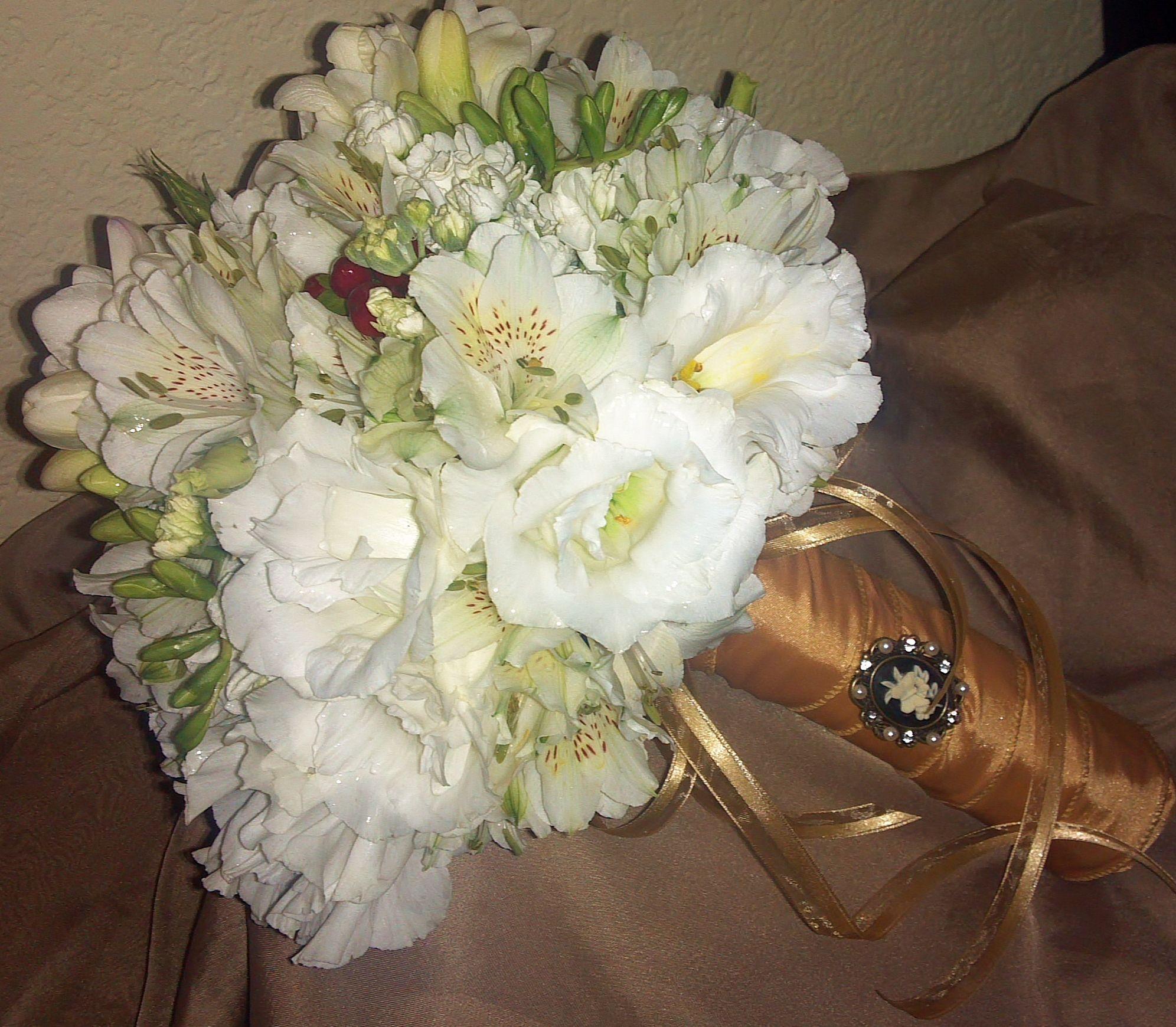 Wedding Hand Bouquet Flower: Fantasy Flowers & More