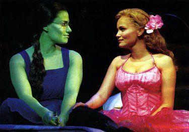 Kristen Chenoweth sings my favorite Broadway song, Popular, wonderfully.