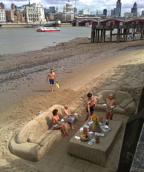 This Reminds Me Of The Cool Things My Dad Usta Make With Sand Beach Party