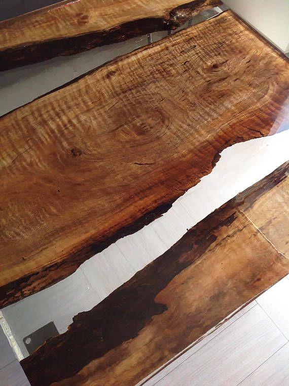table basse salle cr e avec du bois de poire et une. Black Bedroom Furniture Sets. Home Design Ideas