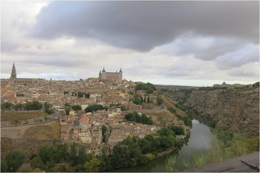 Casinha colorida: Bate e volta desde de Madri: Toledo x Segóvia. Qual visitar?