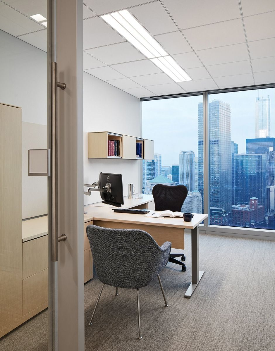 Office Tour Michael Best Friedrich Llp Offices Chicago With Images Cheap Office Furniture Office Design