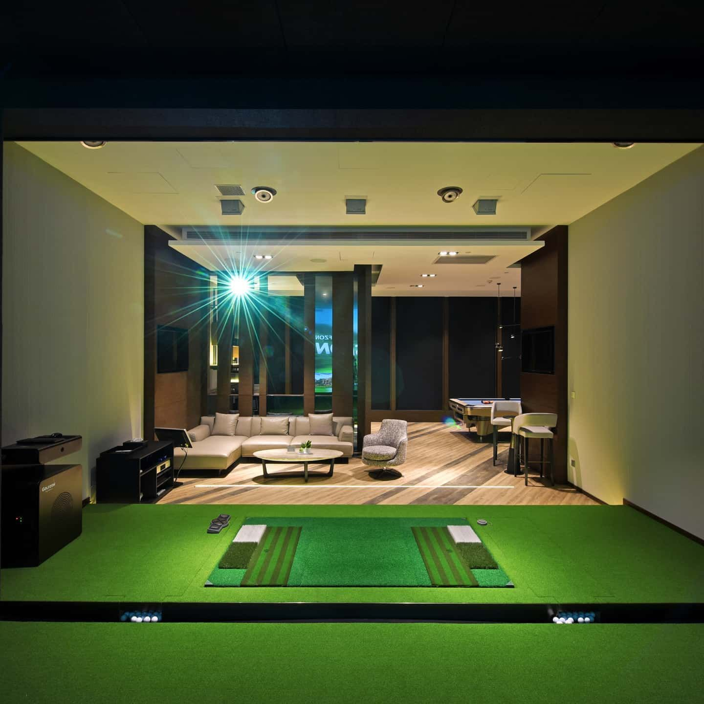 Turn Your Basement Into A Golf Room A Man Cave Comes Complete With Golfzon Simulator Golfzon Golf Golfsimulator Indoorgolf Golfing Dreamhome Drea