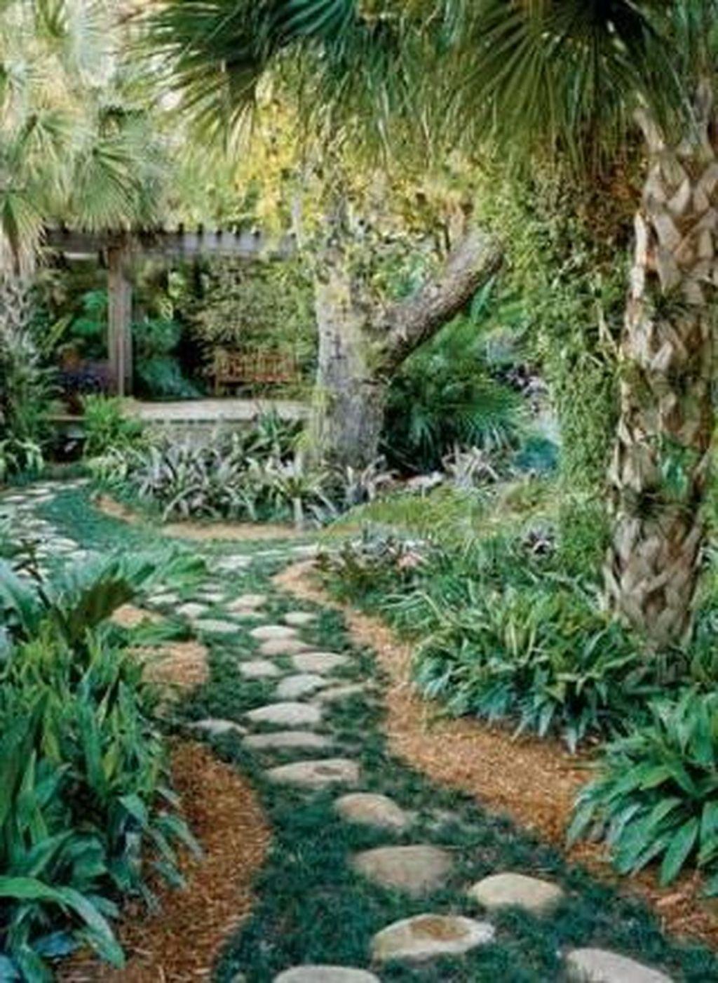 33 Charming Urban Backyard Oasis Design Ideas With Tropical Decor To Try In 2020 Garden Oasis Urban Backyard Backyard Landscaping