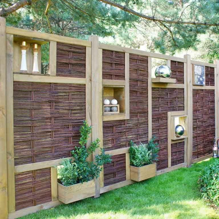 Ein Gartenzaun zum selbst Zusammenstellen aus Naturweide