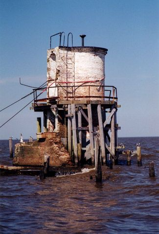 Pass Manchac Louisiana I Think A Hurricane Knocked Down What Was Left Of This Lighthouse Lighthouse Louisiana Style Louisiana Homes