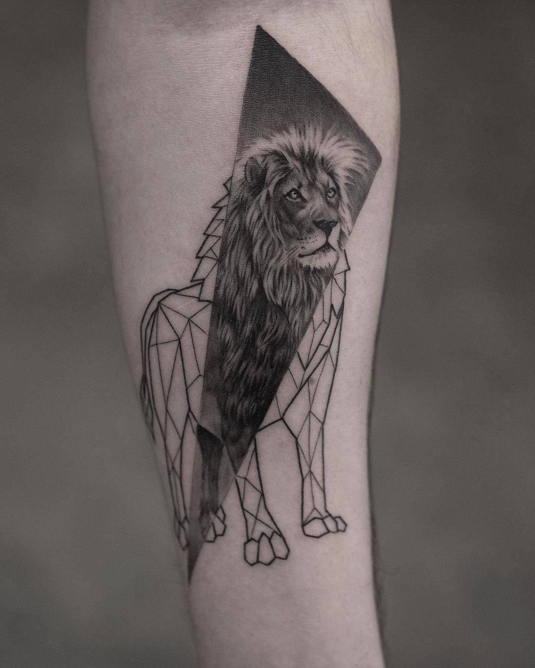 1860b4d9244fc 78 Lion Tattoo Ideas Which You Like // June, 2019 | Lion Tattoo ...