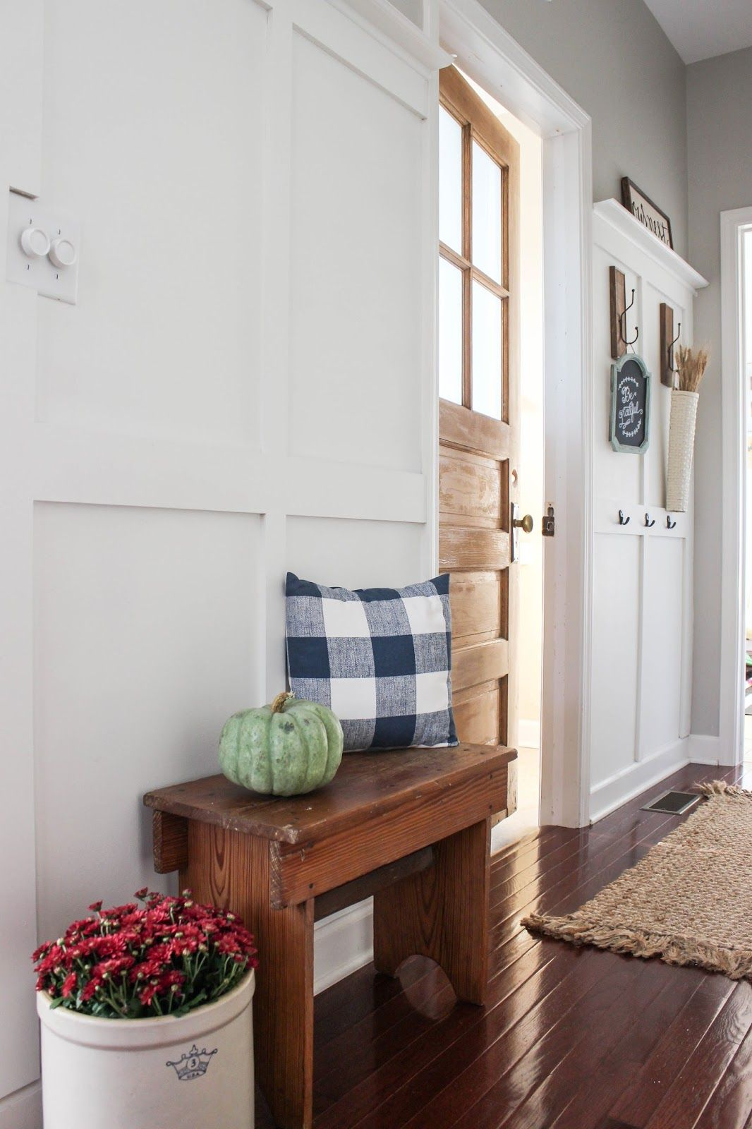 Fall Home Tours: Touches of Autumn in the Kitchen and Entryway ...