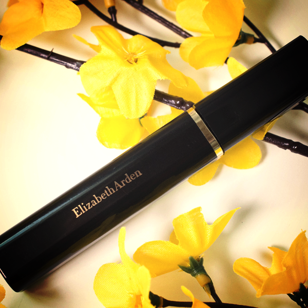 Beautiful Color Maximum Volume Mascara da Elizabeth Arden é um rímel que dá volume, separa e define as pestanas.  #elizabetharden #mascara #rimel #maquilhagem #makeup #beauty