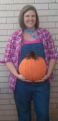 cbe6e7fb04ae5 Halloween costume for pregnancy/pregnant farmer holding pumpkin ...