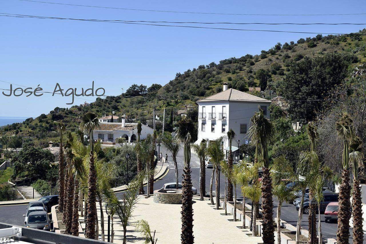 Málaga. #Totalan. Plaza de Antonio Molina  Fotografía de Jose Agudo Carmona