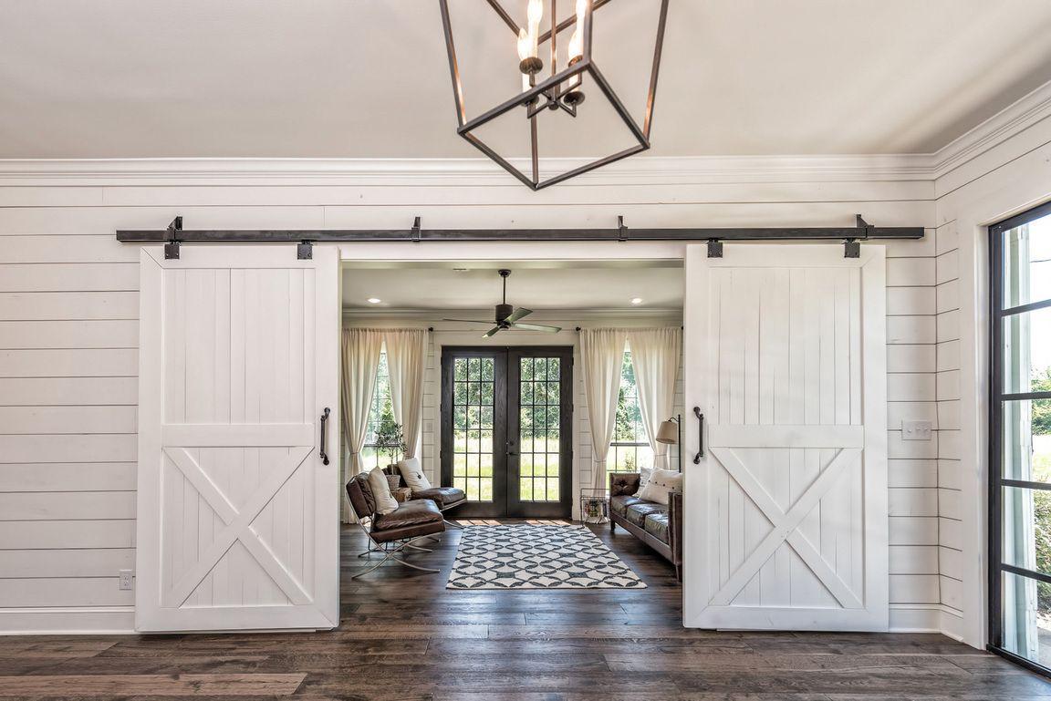 The barndominium magnolia homes bloglovin - A Barndominium For Our Farm Lovers Out There