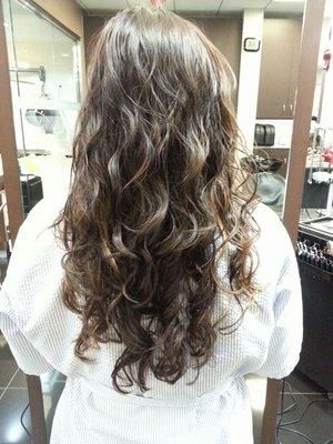 Pin By Hannah Follett On Digital Perm Permed Hairstyles Long Hair Perm Asian Hair Perm