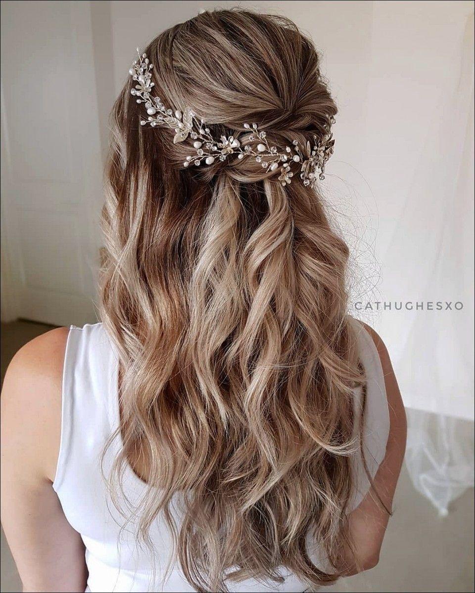 21 Wunderschöne Frisuren für Bräute, die sich besonders fühlen möchten 2019…