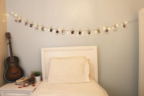 Instant picture hanging kit new color options - Cool ways to decorate your room ...