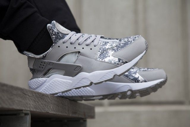 Huge Pre-Christmas Nike Huarache Drop @ Foot Locker Au - Sneaker Freaker