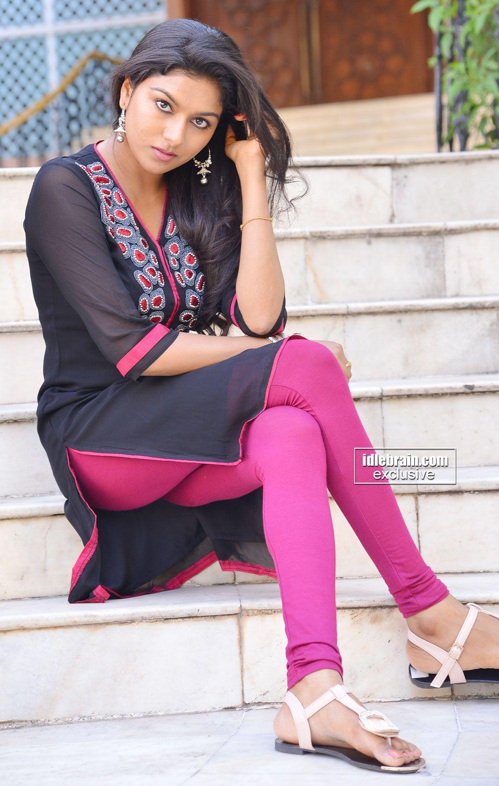 kerala-girls-hot-legs-image-india-sex-moive