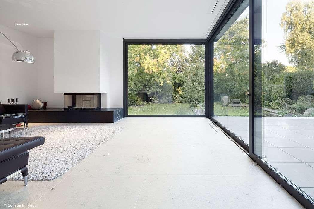 ein einfamilienhaus schafft bez ge zwischen innen und au en und mit dem ort home pinterest. Black Bedroom Furniture Sets. Home Design Ideas