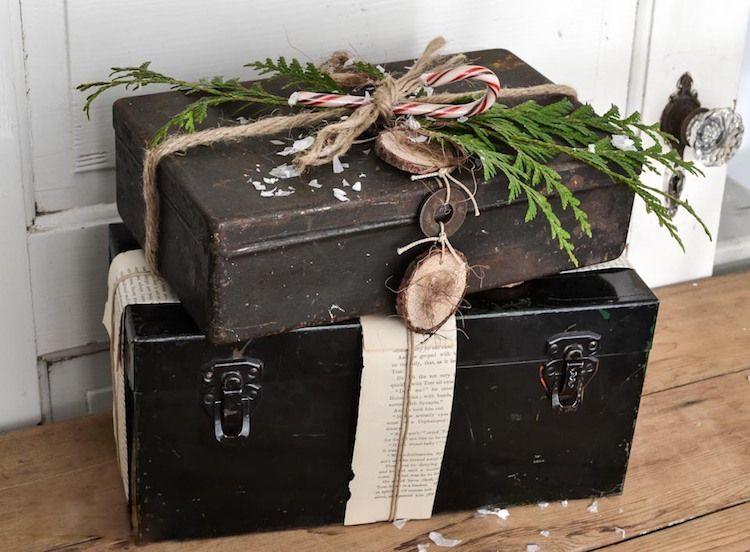 alter koffer deko weihnachten geschenke verstecken ...