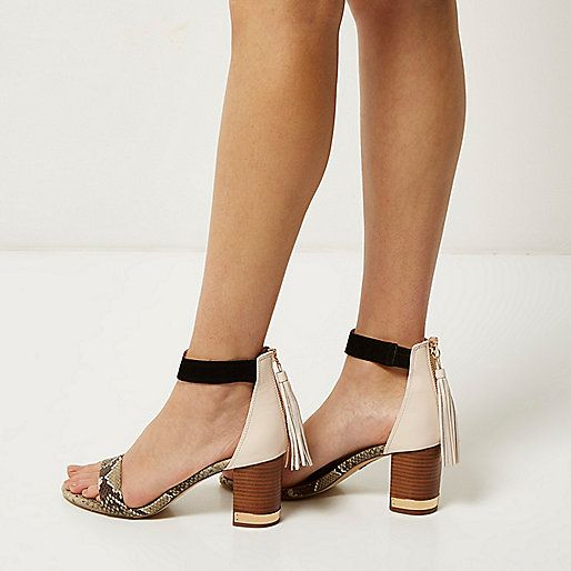Beige bedrukte sandalen met halfhoge hak en kwastje - Sandalen met hak - schoenen / laarzen - dames