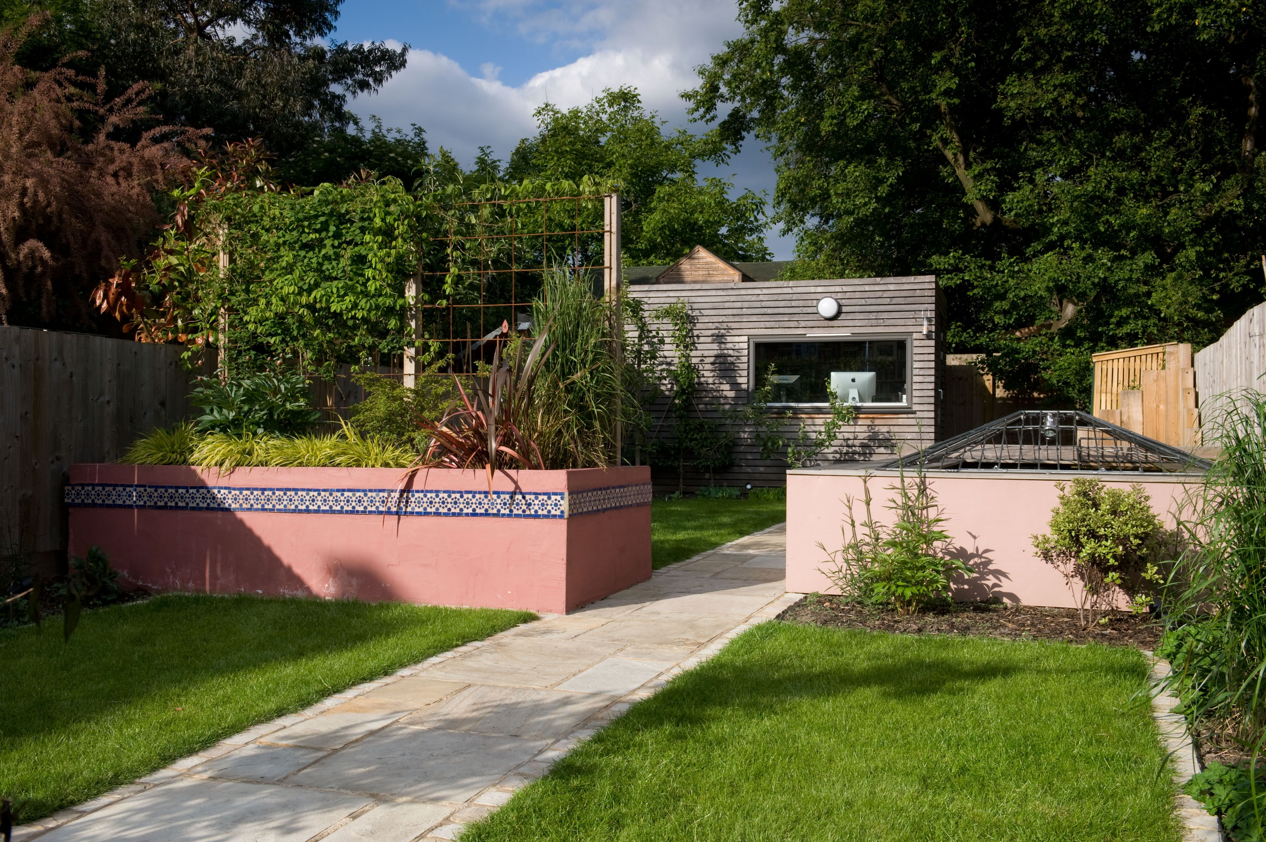 Moroccan garden in Walthamstow East London (With images ...