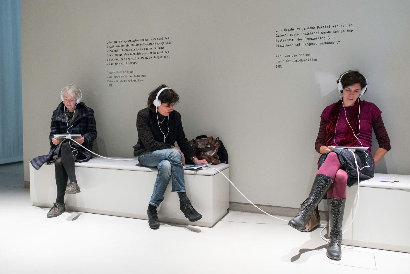 chezweitz | Fotografien berühren - Humboldt Lab im Ethnologischen Museum Berlin