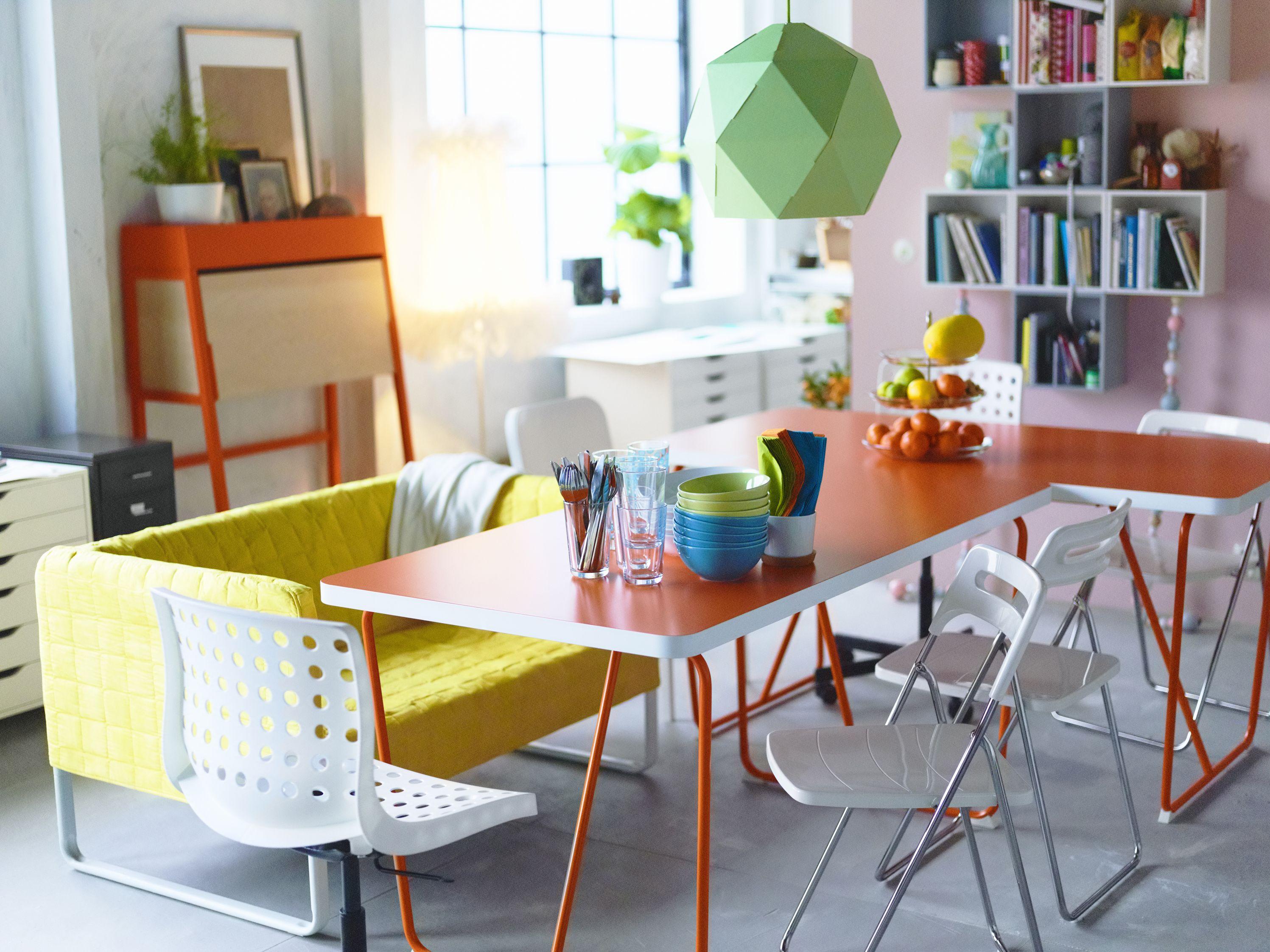 Créez un salon/salle à manger unique et coloré. #IKEAHome #IKEA ...