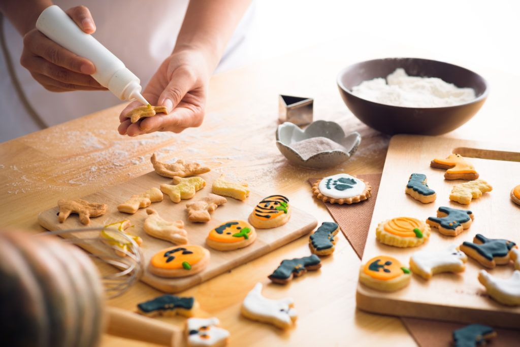 Halloween Frosted Sugar Cookies Recipe #halloweensugarcookies Halloween Sugar Cookies Recipe #halloweensugarcookies