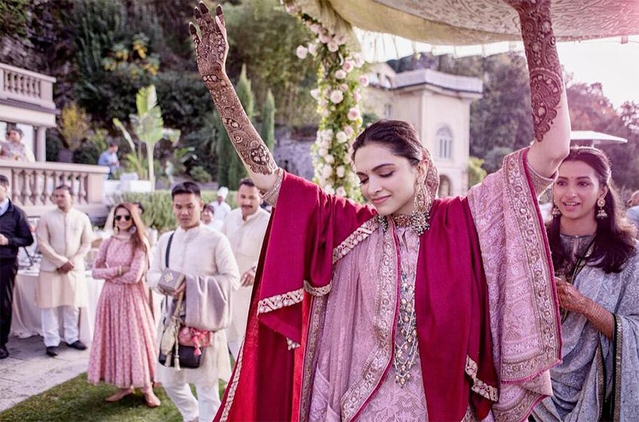Deepika Padukone And Ranveer Singh Lake Como Italy Celebrity Weddings Weddingsutra Bollywood Wedding Deepika Ranveer Ranveer Singh