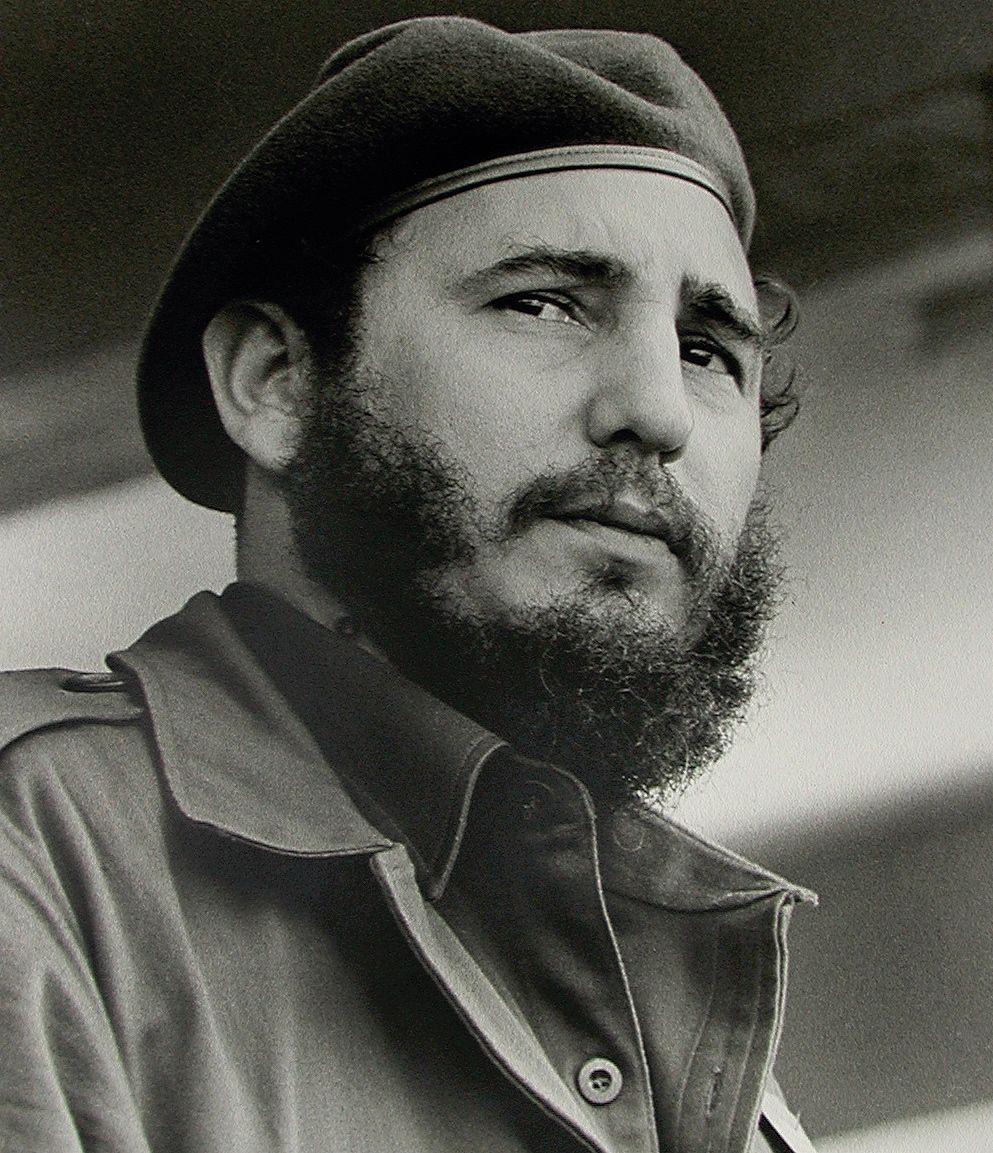 fidel castro se desdice de su declaraci atilde sup n sobre el comunism fidel castro still living wow who knew he would outlive hugo chatildeiexclvez