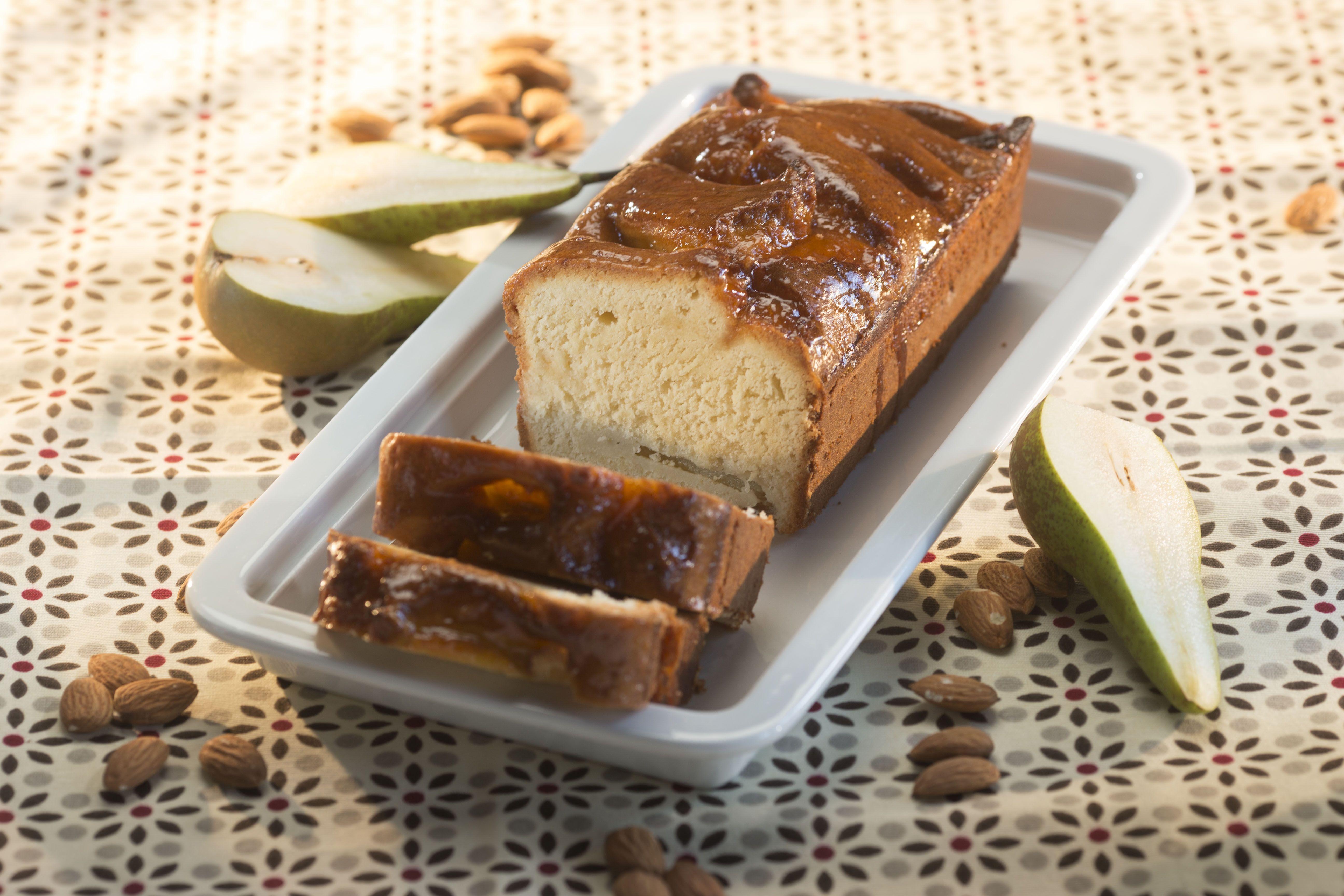 Peer amandel cake