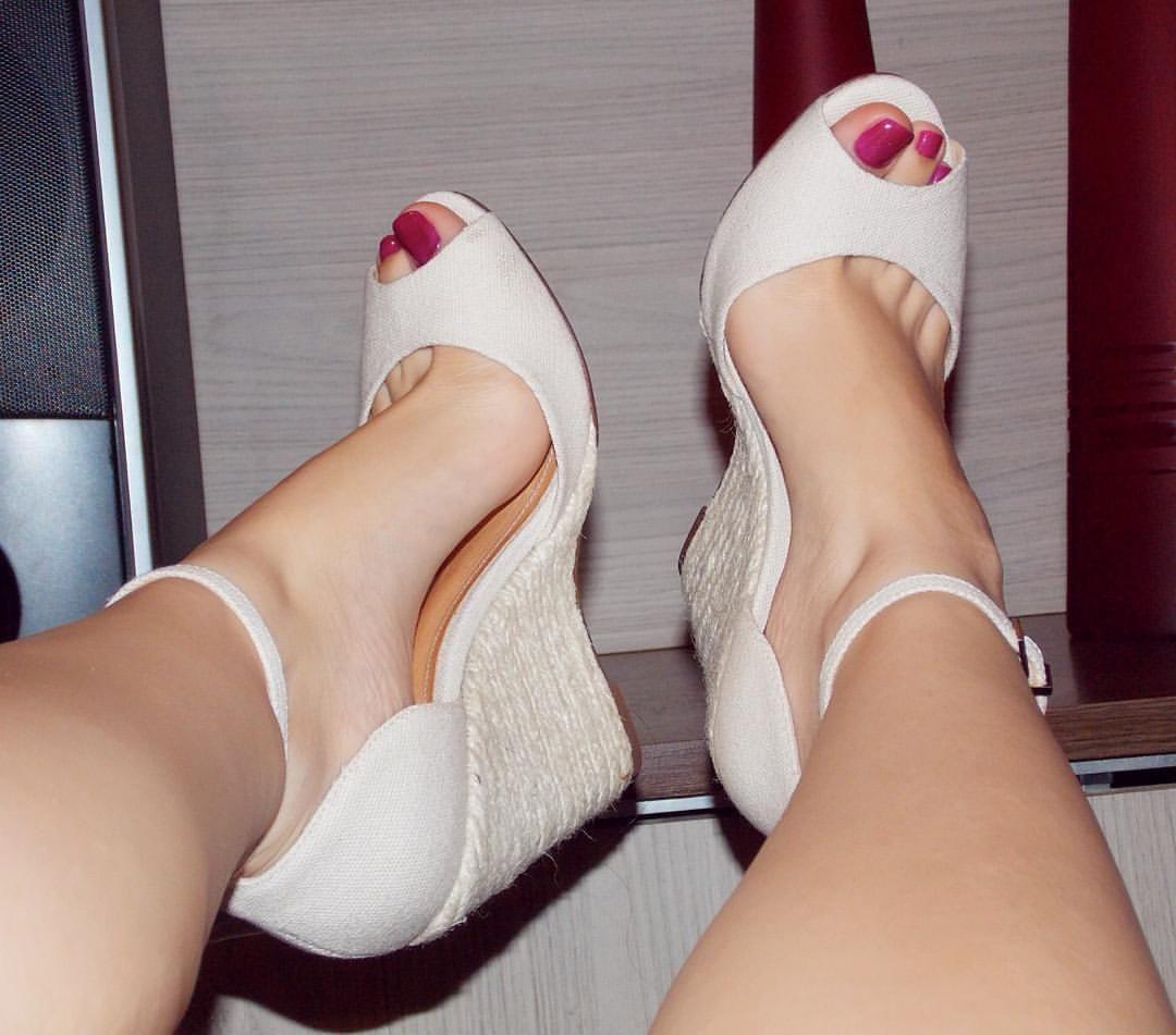 Dani Feet