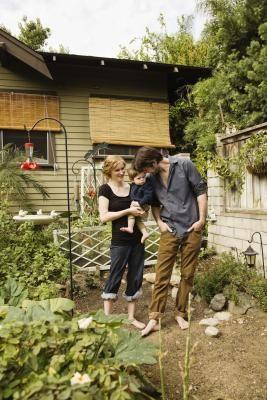 Cómo diseñar tu propio patio trasero | eHow en Español