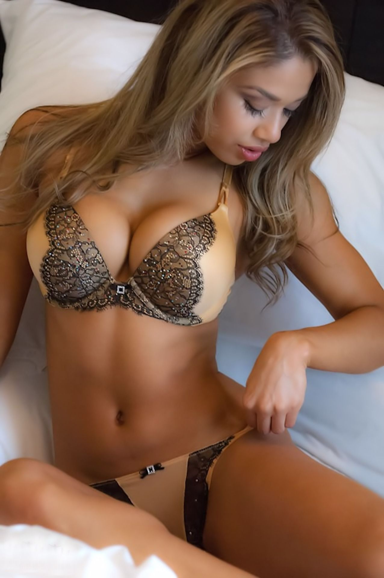 Latinas Sexy Teen In Lingerie Pictures