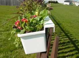 Hanging Planter For Fence Hanging Planters That Hang On Any Type Of Fence Chain Link Fence Planters Fence Planters Fence Hanging Planters Backyard Fences
