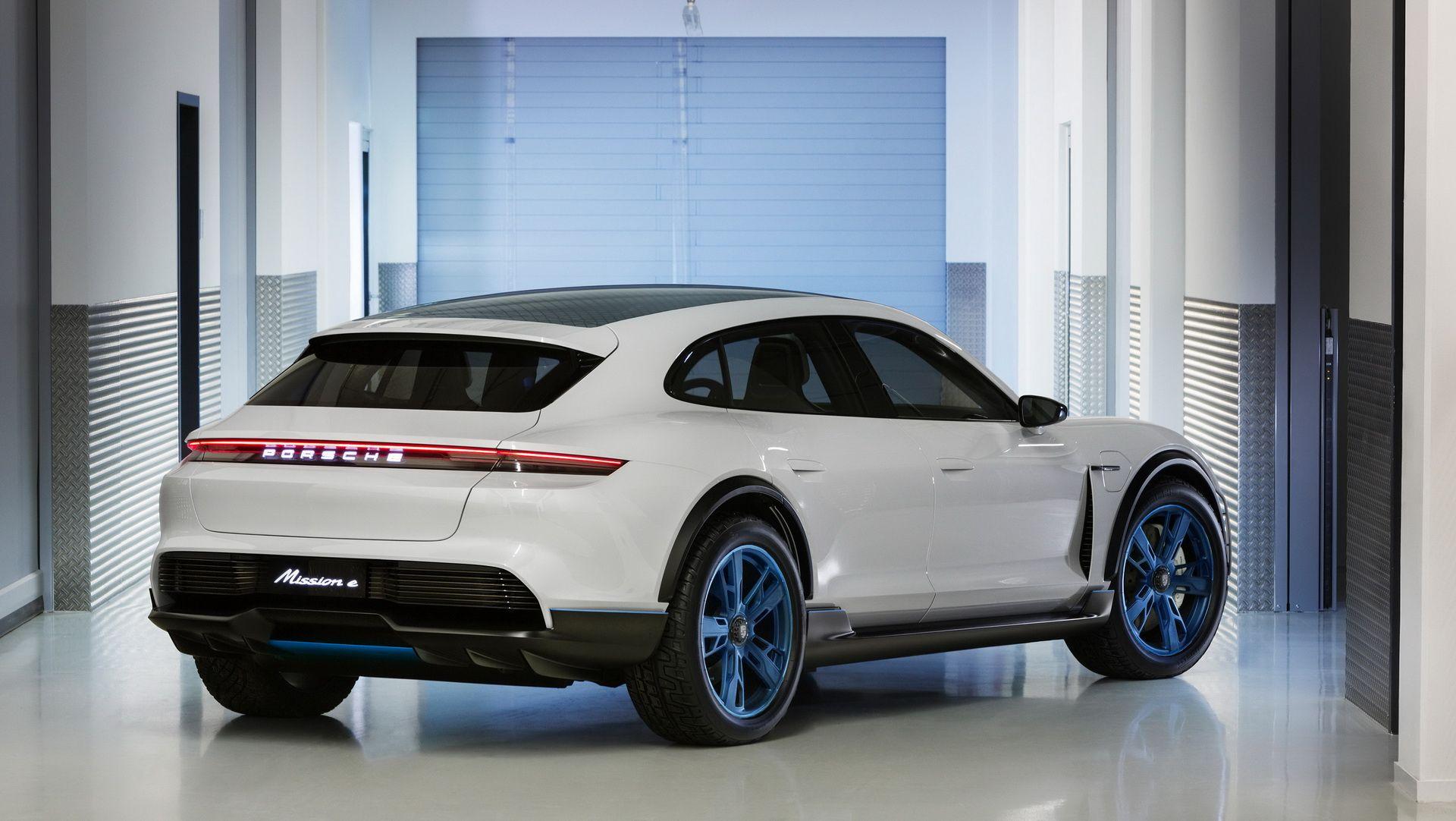 Porsche Mission E Cross Turismo Is Stuttgart S Electric Allroad Carscoops Porsche Mission Mission E Porsche