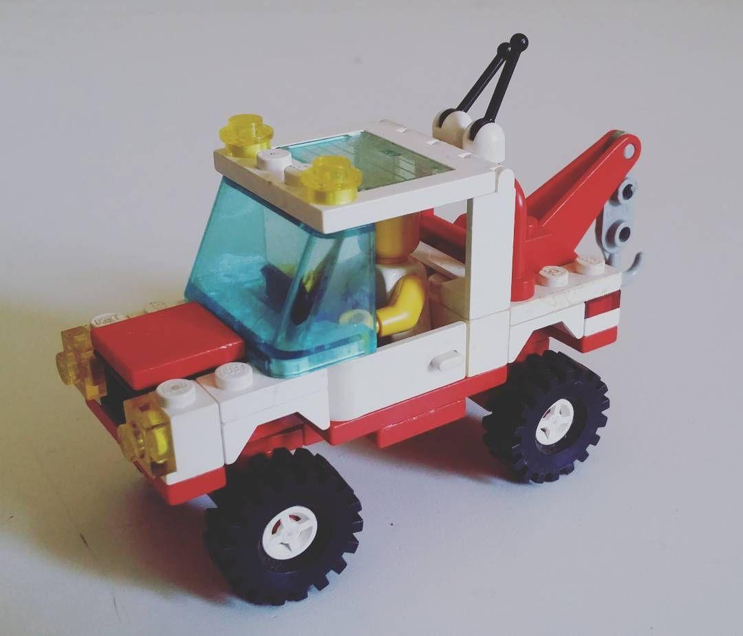 Lego 6660 Hook & Haul Wrecker: help on the road - coming! :) #lego #classic #town #bricks #road #vehicle #vintage #toys #afol #fun #brickblues #rlug #skockani