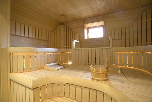 Uusi ja melko iso Suomi sauna