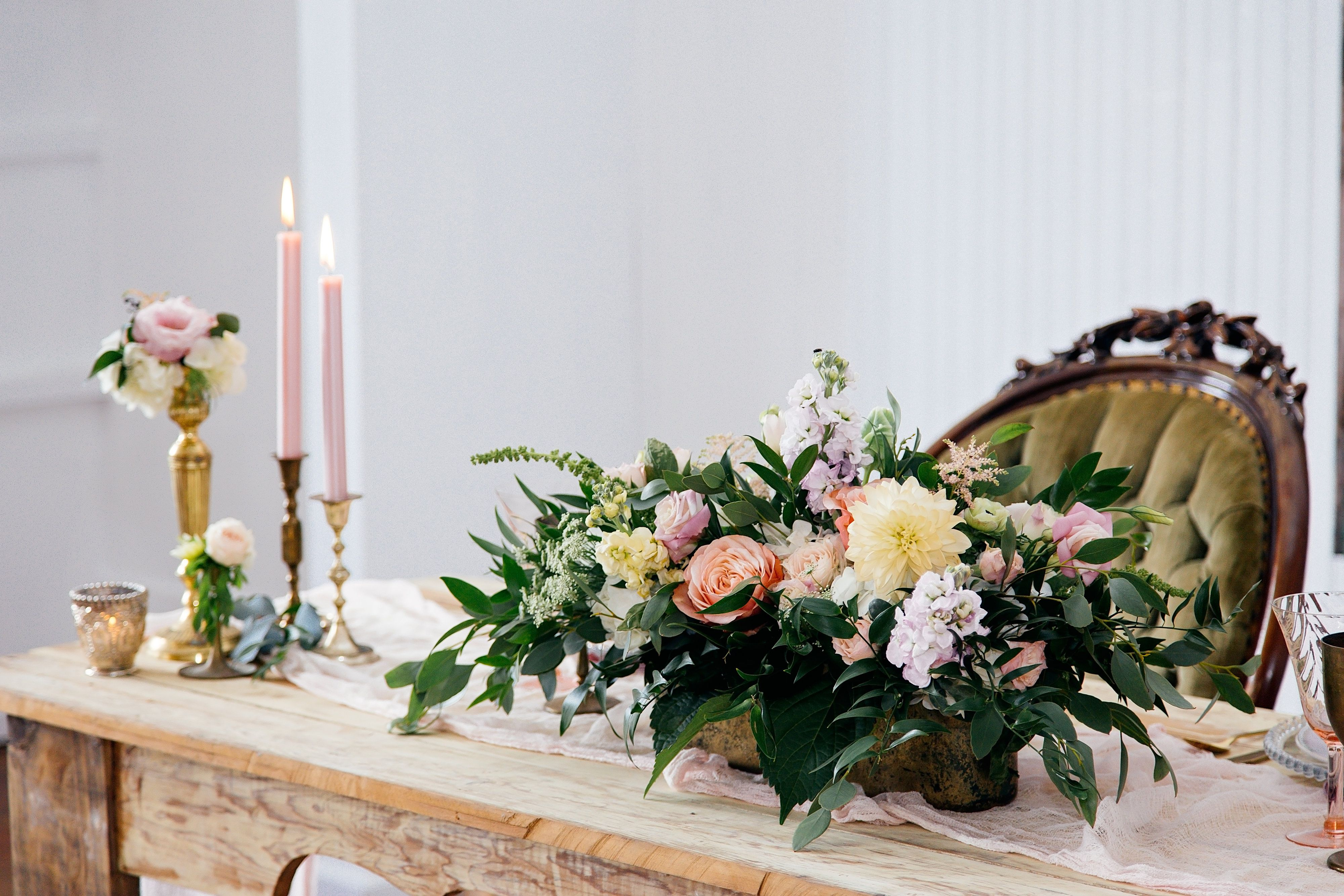 Styled Shoot | Snap Chic Photography | Evember Floral | Cru Vintage ...